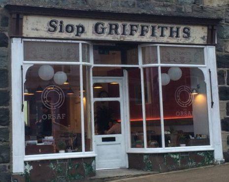 Siop Griffiths – Canolfan Ddigidol
